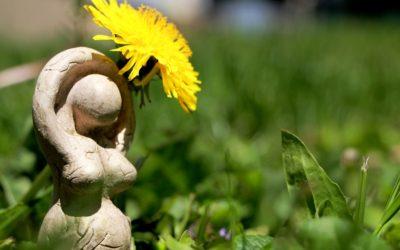 Isara, une déesse topique indo-européenne?